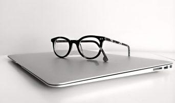 laptop-occhiali