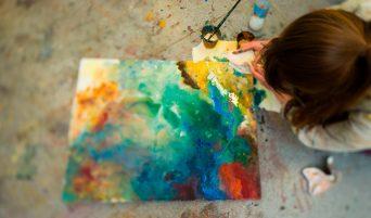 studenti-dipingere