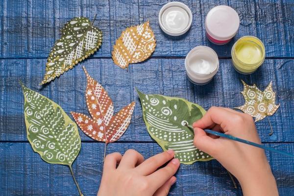 quadro-con-foglie-le-decorazioni